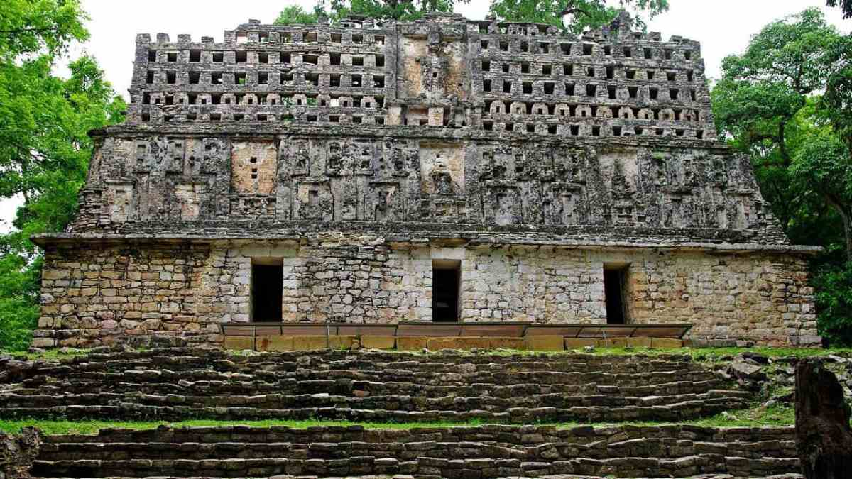 The Maya Sites - Hidden Treasures of the Rain Forest