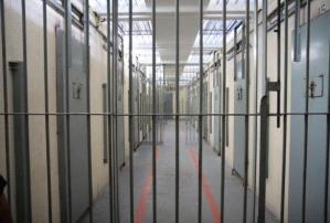 Imagens fortes: Irmãos são encontrados enforcados dentro de cela em presídio de Parintins
