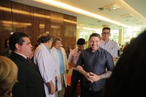Governo do Amazonas quer ampliar parceria com o HUGV para aumentar oferta de serviços à população