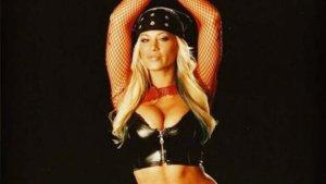 Lutadora e estrela da revista Playboy morre aos 39 anos