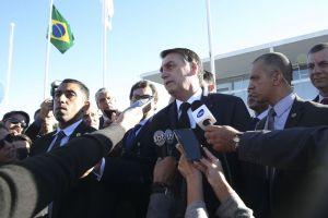 Bolsonaro diz que gratuidade de bagagem prejudicaria pequenas aéreas