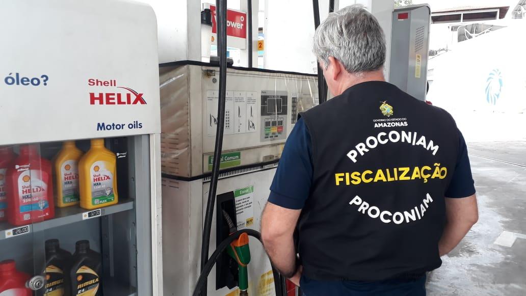 Em pesquisa do Procon-AM, gasolina apresenta baixa de preço e a mais barata é vendida por R$ 4,36