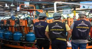 Procon-AM pede resposta de indústrias sobre efeitos do reajuste do valor do gás de cozinha