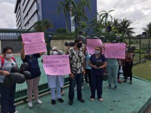 Trabalhadores fazem protesto em frente à Assembleia Legislativa em Manaus