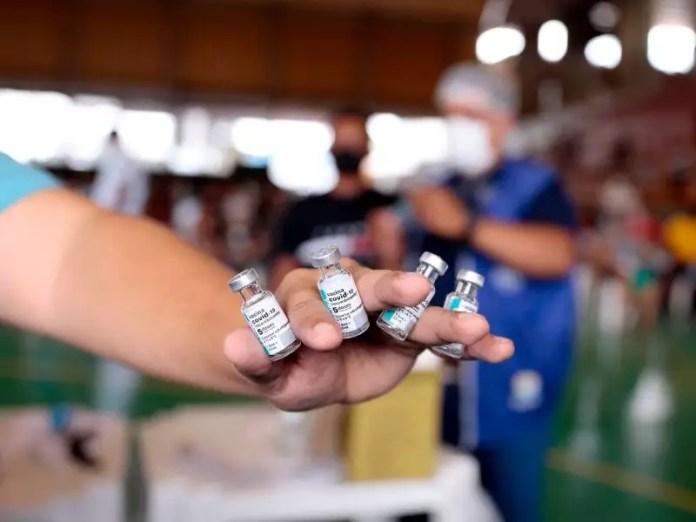 Brasil recebe 842,4 mil doses de vacinas do consórcio Covax Facility