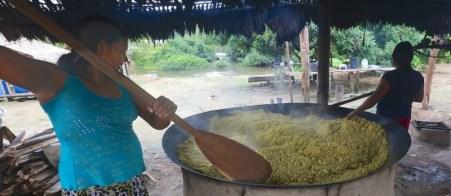 Uaiuais.  Abandono de hábitos como a produção dos próprios alimentos pode causar problemas de saúde nos índios - Divulgação