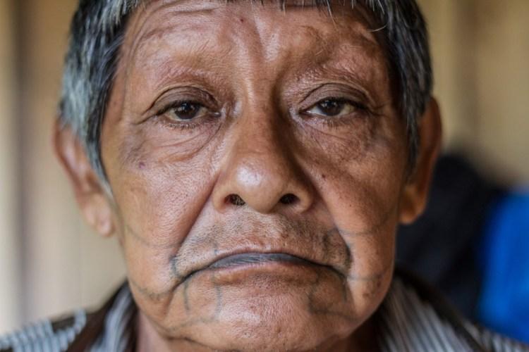 O avô, guerreiro Aruká. (Foto: Gabriel Uchida/Amazônia Real)