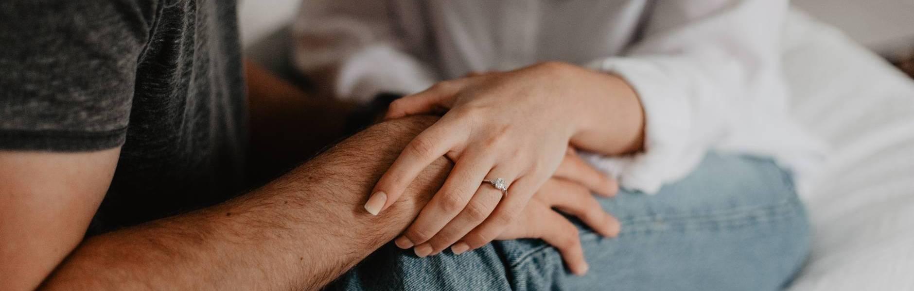 Dva u jedan: Lice i naličje jednog braka, Zna li danas itko više ludo voljeti?, Da on želi biti s tobom bio bi s tobom! Točka.