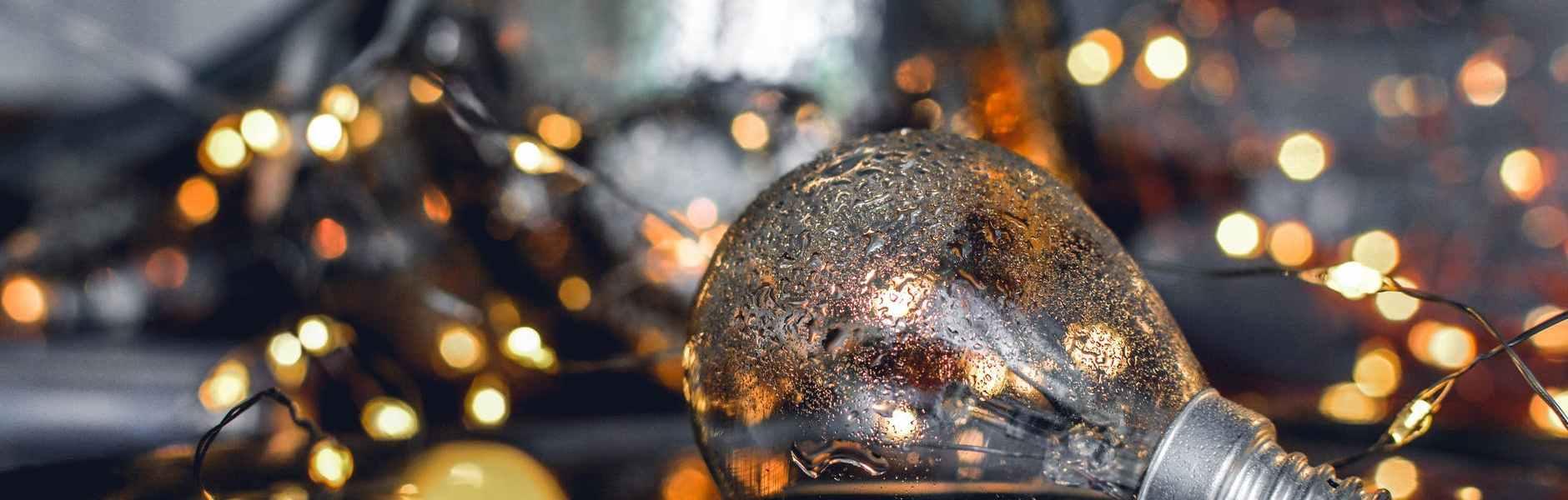Horoskop po danima u tjednu od 14. do 20. prosinca, close up photography of bulb on water