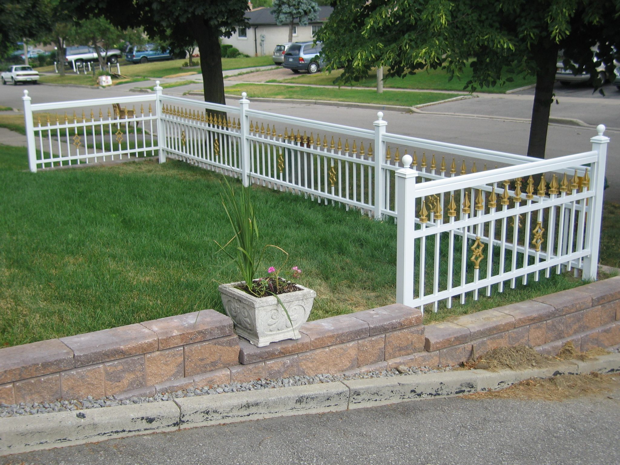 (23) Fencing For All Yard Shapes And Sizes.