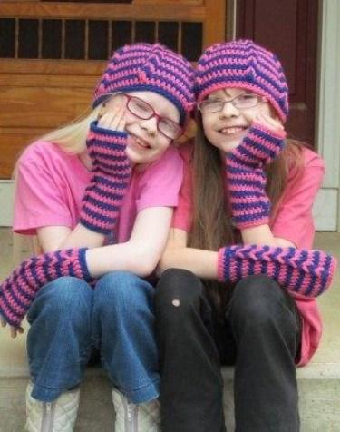 BFF hat & wristwarmers pattern made specifically for BFF's. Crochet pattern by Ambassador Crochet.