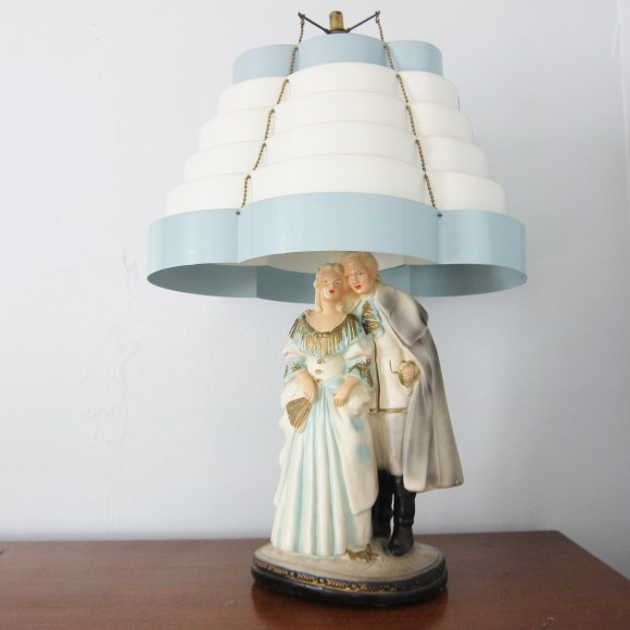 vintage chalkware lamp venetian shade blue white coloinal figure retro 50s mid century