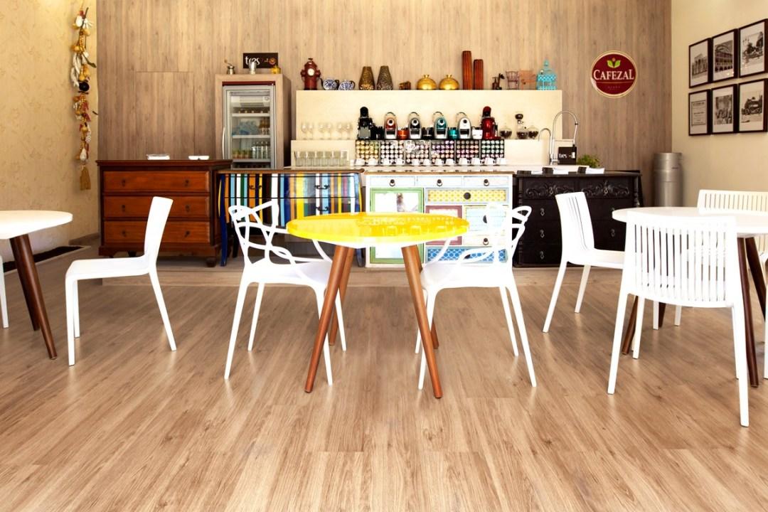 piso-laminado-eucatex-evidence-carvalho-canela