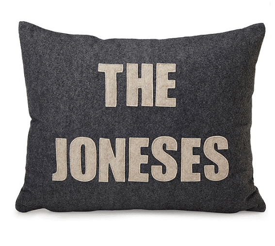 custom-family-name-and-date-pillow