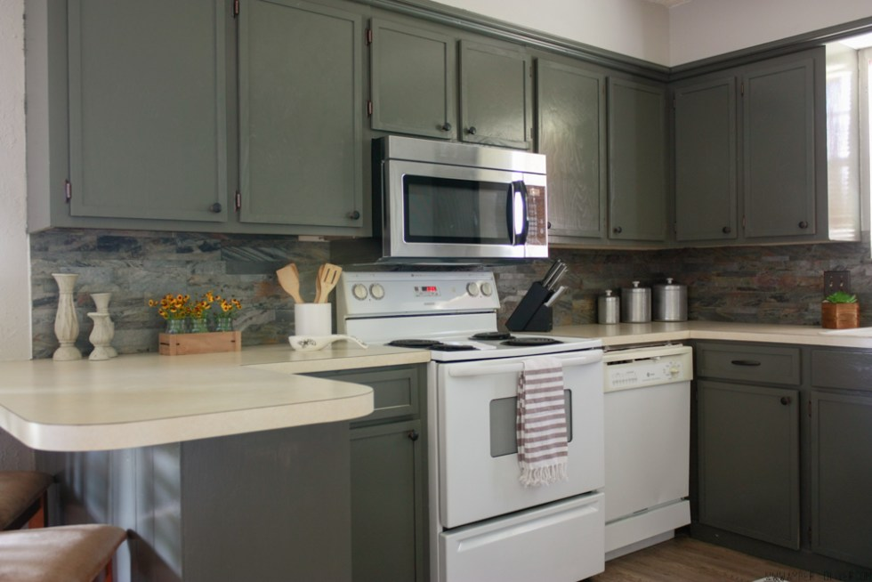 How to update old kitchen cabinets for Kitchen cabinets update ideas on a budget