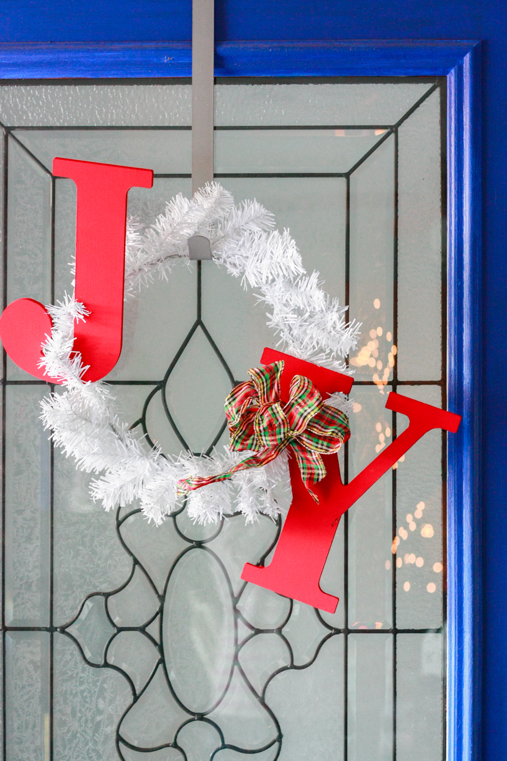 How to make a JOY holiday wreath!