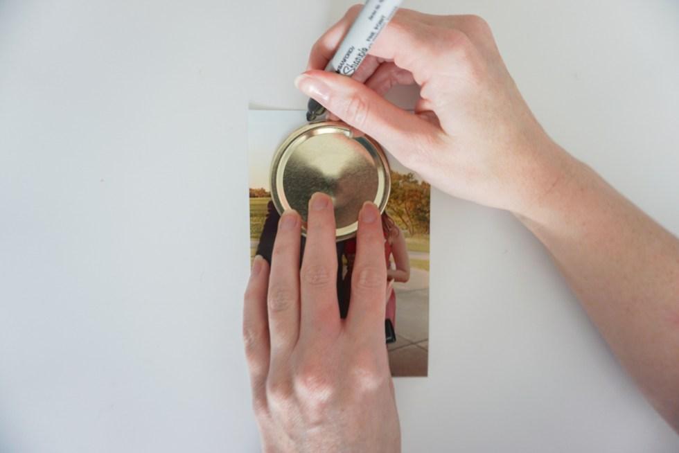 Mason Jar Lid Magnets - DIY Photo Magnets!