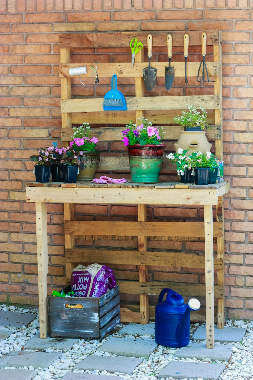 DIY Potting Bench by Amber Oliver