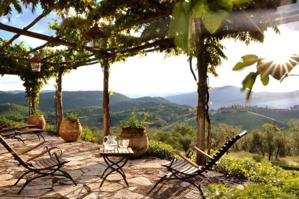Amberlair Crowdsourced Crowdfunded Boutique Hotel Casa Soleluna - Smart travelers aren't afraid of Tuscany in the winter: It's hunting time