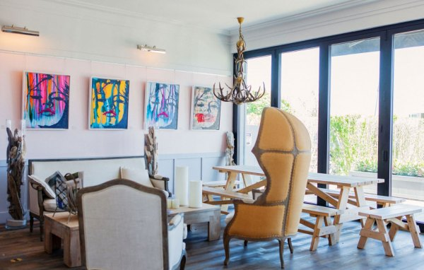 Amberlair Crowdsourced Crowdfunded Boutique Hotel - The Montauk Beach Hotel Lounge gypsetters