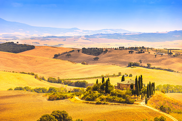 Amberlair Crowdsourced Crowdfunded Boutique Hotel Tuscany Farmland - Meet #ItalyBoholover Elyse Pasquale of Foodie International @foodieintl