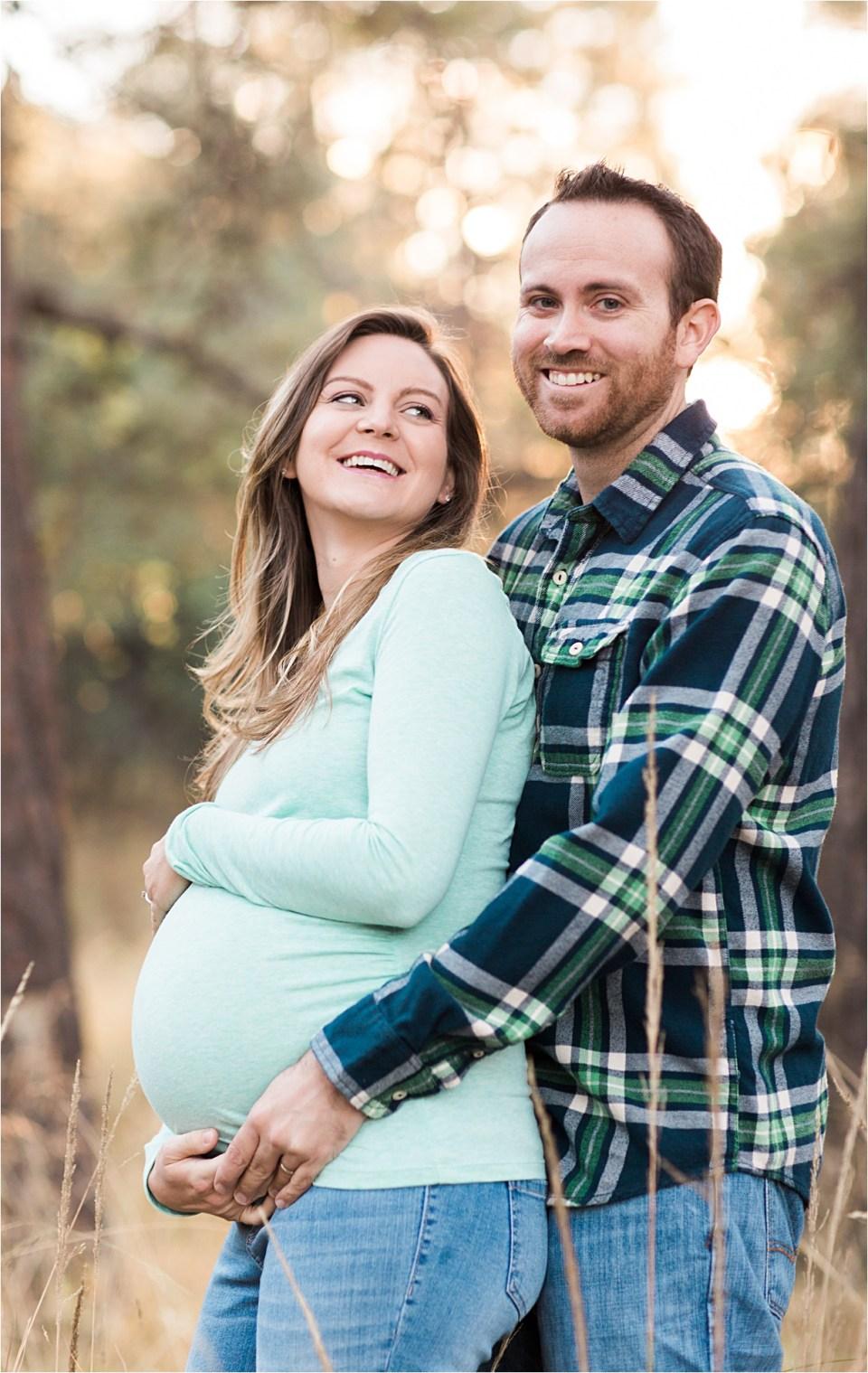 maternity_mount-lemmon_pregnant-mother_tiffany-blue-shirt_05