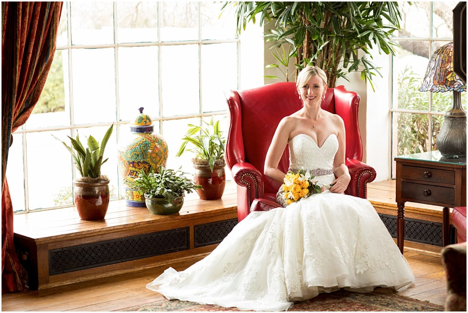 Bridal portrait at Historical Arizona Inn, Tucson, Arizona