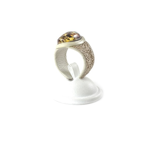 leather-ring-with-natural-baltic-amber-lioness-1