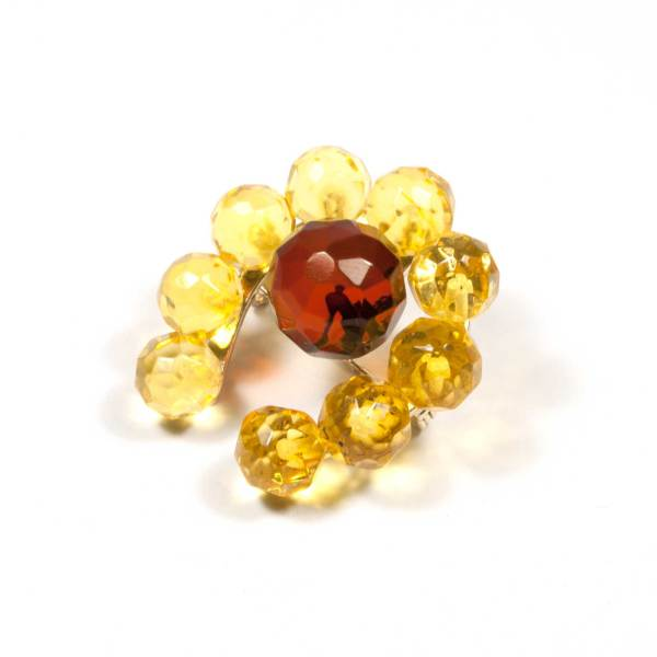 natural-amber-brooch-lucky-faceted-yellow-cherry-side