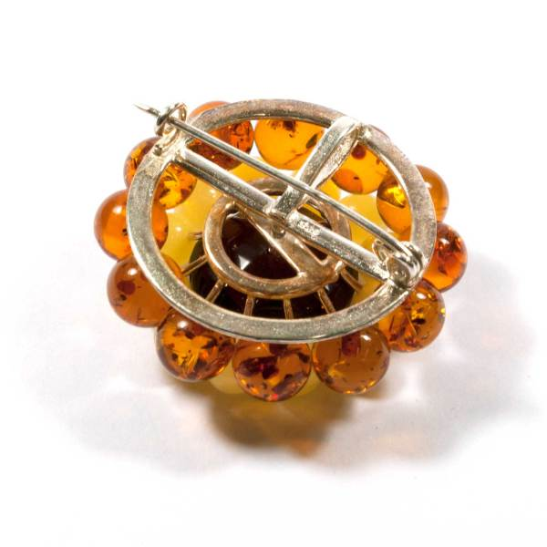natural-baltic-amber-brooch-daisy-back