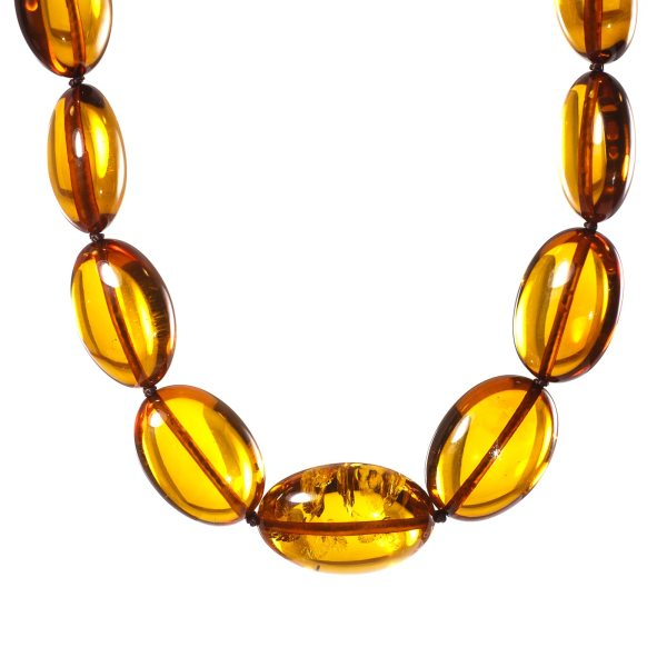 natural-baltic-amber-necklace-fortuna-closelook