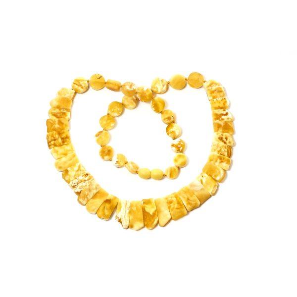 natural-baltic-amber-necklace-silvia-yellow-close-2