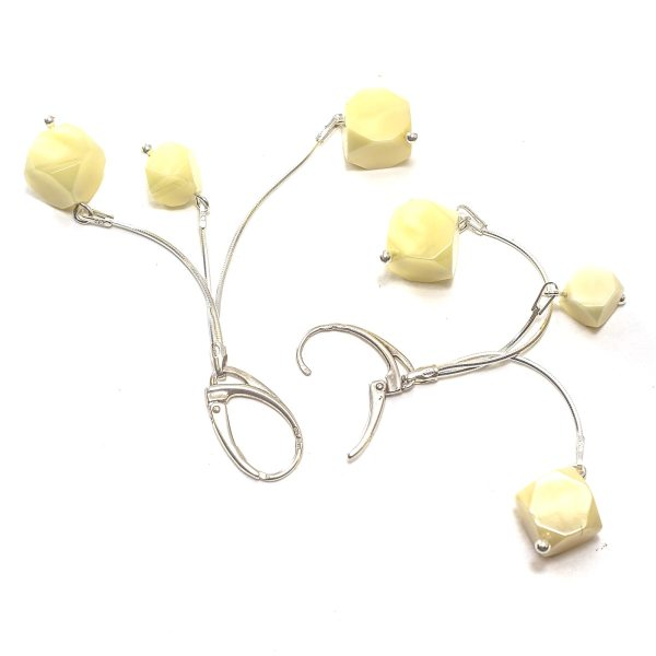 silver-earrings-with-natural-baltic-amber-yellow-dices