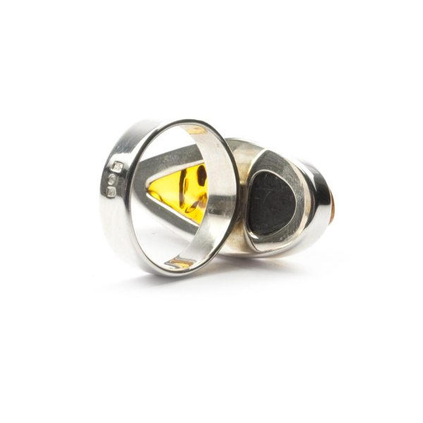 silver-ring-with-natural-baltic-amber-piece-beutenica-sideview-4