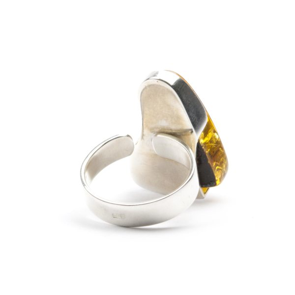 silver-ring-with-natural-baltic-amber-piece-triada-6