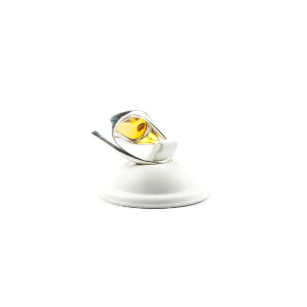 silver-ring-with-natural-baltic-amber-venera-3