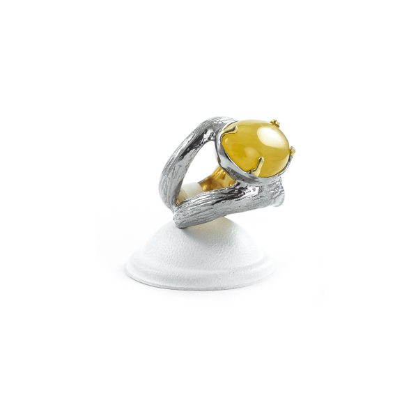 silver-ring-with-natural-yellow-amber-piece-2