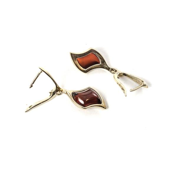 gold-earrings-14k-with-natural-baltic-amber-beau-monde-cherry