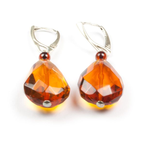 natural-baltic-amber-earrings-with-silver-clasp-veiling
