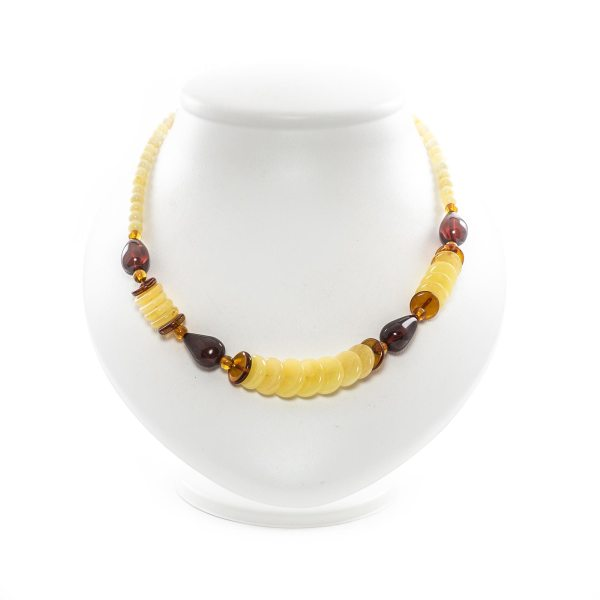 natural-baltic-amber-necklace-insite