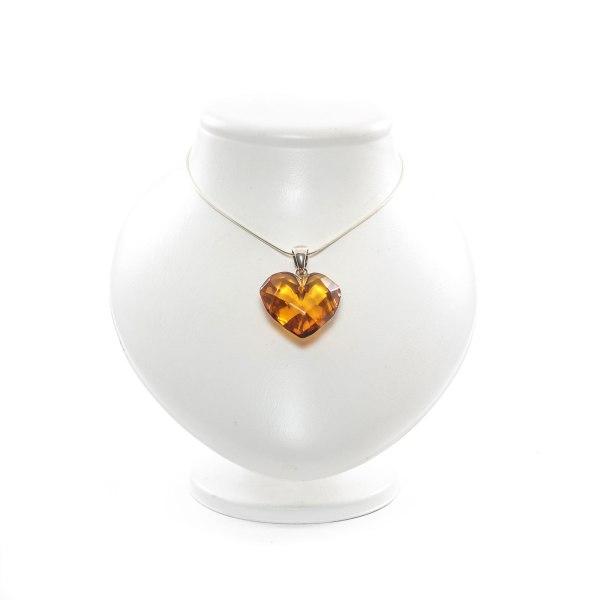 natural-baltic-amber-pendant-on-silver-holder-treasure