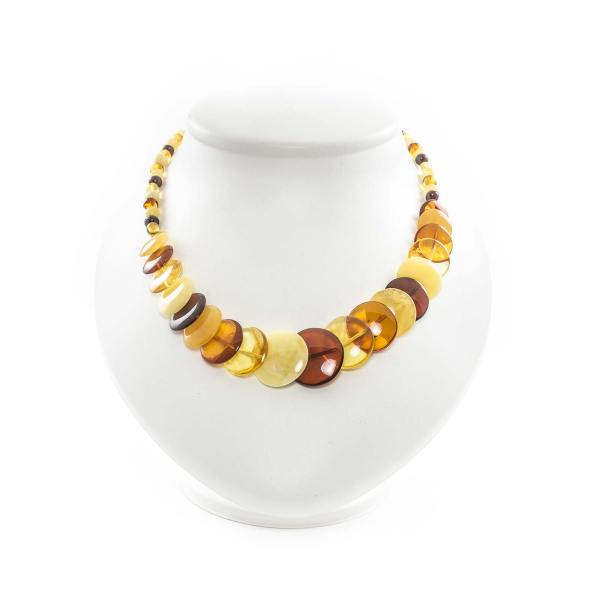 necklace-from-natural-baltic-amber-vernissage