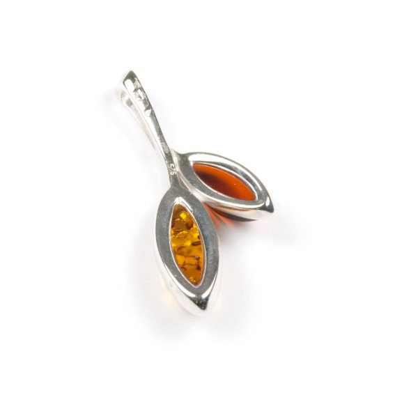 silver-pendant-with-natural-baltic-amber-amusement-3