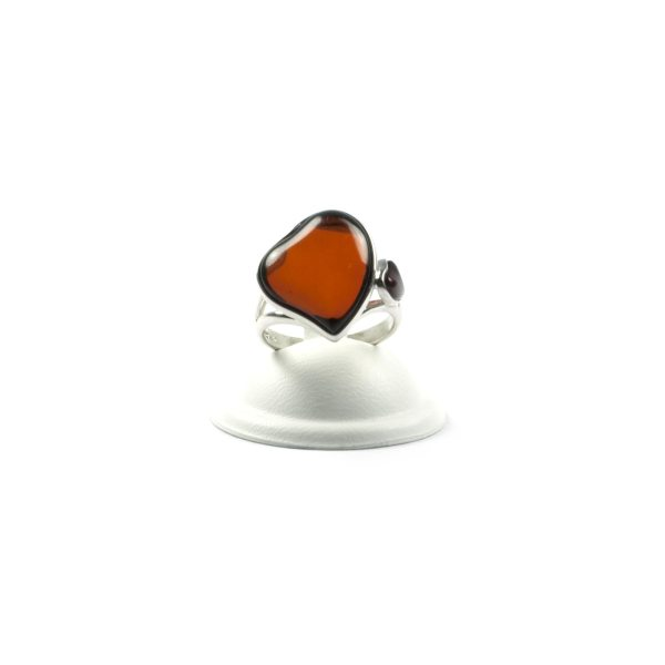 silver-ring-with-natural-baltic-amber-two-hearts-3