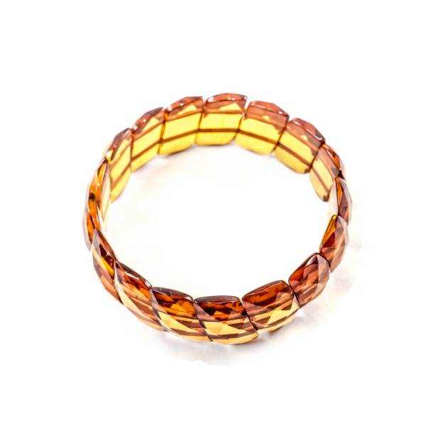 faceted-bracelet-from-natural-baltic-amber-twisted-cognac-top-view