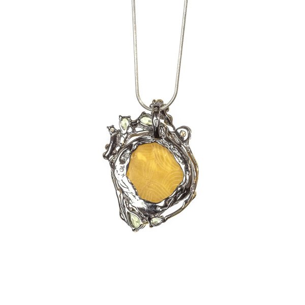 silver-pendant-with-natural-baltic-amber-maestro-back