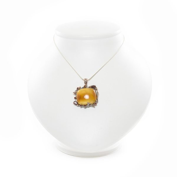 silver-pendant-with-natural-baltic-amber-raspberry