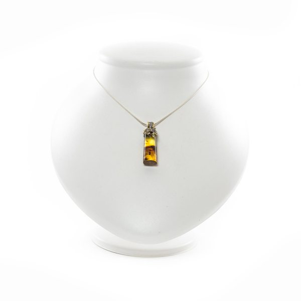silver-pendant-with-natural-baltic-amber-with-insect-inclusion
