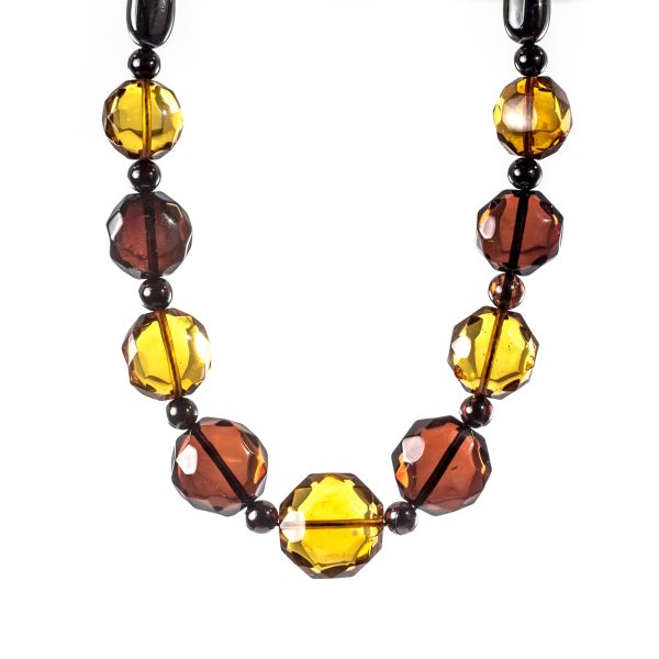 natural-baltic-necklace-with-faceted-beads-polaris-3