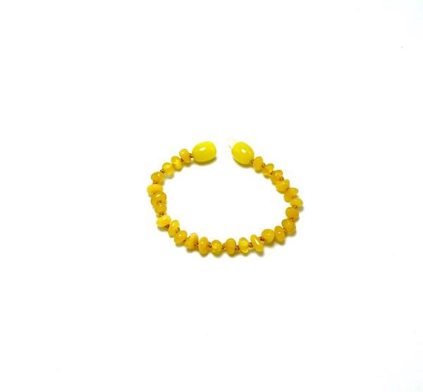 Vaikiška gintaro apyrankė - geltoni baroko formos šaratėliai,Baby amber bracelet - milky baroque beads
